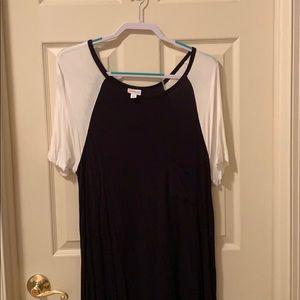 XL LuLaRoe black and white Carly.